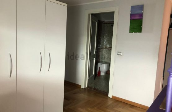 Appartamento su due piani in vendita in via Giovanni Lomi s.n.c